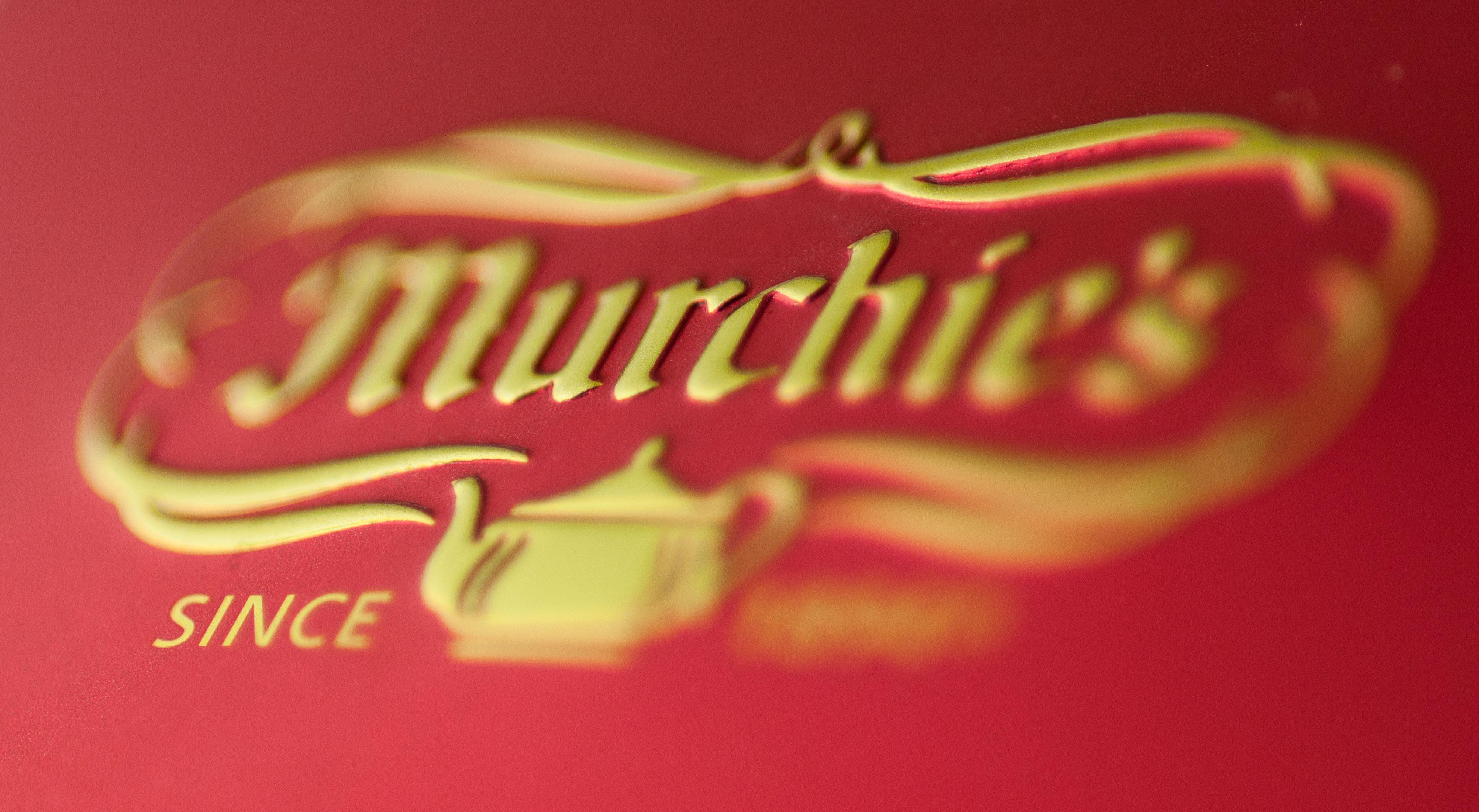 Embossed Murchies Logo on lid